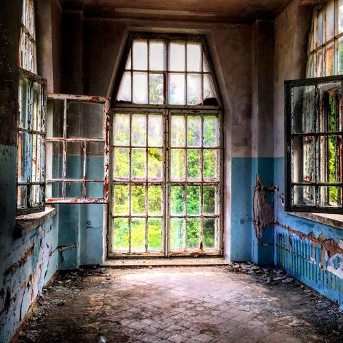 Built Structure Architecture Window No People Damaged House 200 Years Old Bilding Good View Ukraine Blue Wall Day Location Scouting Scout The Architect - 2017 EyeEm Awards EyeEmNewHere EyeEmNewHere