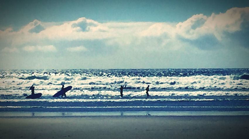 Nature Ocean View Surf Sunset #sun #clouds #skylovers #sky #nature #beautifulinnature #naturalbeauty #photography #landscape Surfing Surfers Paradise Tofino British Columbia Long Beach Surfer Boys  Surfer Dude Surf's Up Cold Water Drysuit Swimming With The Fish Spring Has Arrived Nature Photography EyeEm Great Outdoors Oceanlife Ocean Photography Pacific Ocean Coldwater Surfboard
