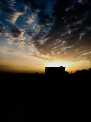 Para mas fotos seguirme en instagram: @photos.albaa o @albarc._ o en @photografic.pix Sunset Toledo Toledo Spain Taking Photos Sunset Silhouette Dramatic Sky Sky Cloud - Sky Built Structure Architecture