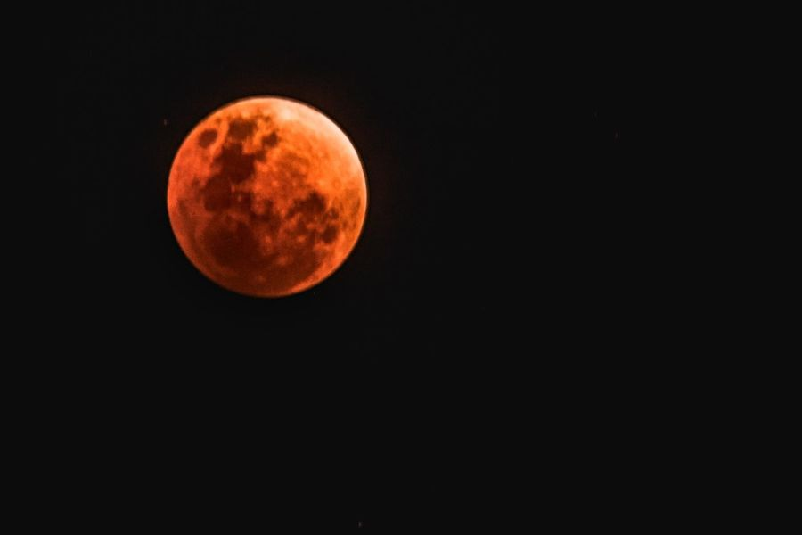Super Blue Blood Moon. Maximum Eclipse taken 31 Jan 2018 SGT Wwecphotography Thisissingapore Ourmoodydays SuperBlueBloodMoon Lunareclipse💞 Superbluebloodmoon2018 Superbluebloodmoon Moon Astronomy Night Full Moon Moon Surface Beauty In Nature Circle Nature Planetary Moon Space Exploration Space Scenics Majestic