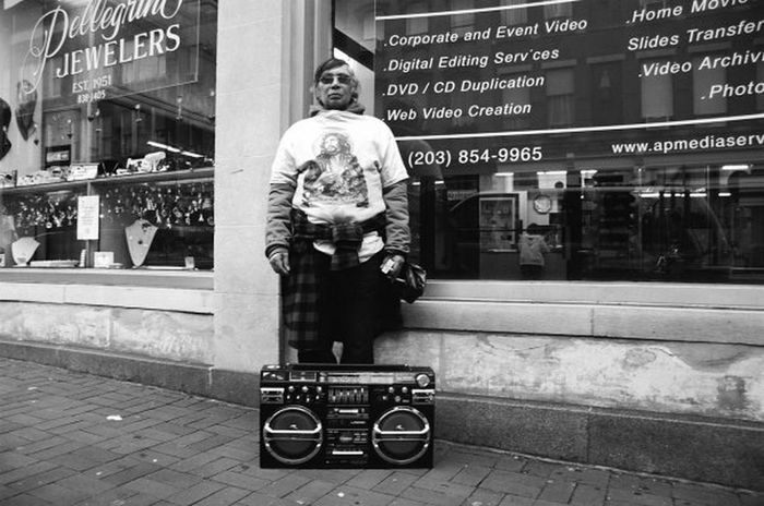 Soundtrack Of Our Lives Street Photography The Week Of Eyeem Streetphotography OpenEdit Street Musician The Photojournalist - 2015 Eyeem Awar The Photojournalist - 2015 EyeEm Awards Peoplephotography