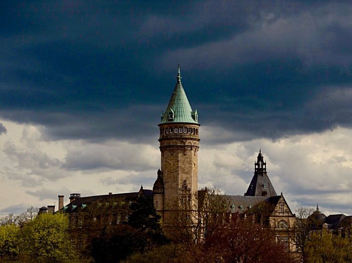 Luxemburg 🇱🇺🎉✨ Architecture Building Exterior Built Structure Sky Building Cloud - Sky My Best Photo No People Tower Low Angle View History Tree Spire  Tourism Old Travel Destinations Travel Clock Tower Nature Plant The Past Place Of Worship Nature Religion Architecture Tree Outdoors Plant Spire  Low Angle View