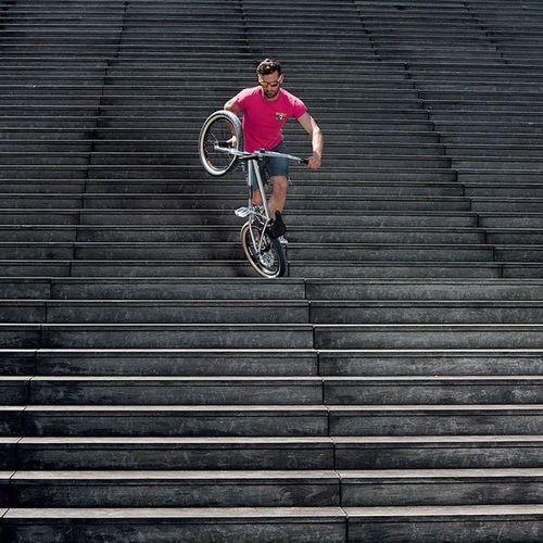 Oakley Heritage x Wad Mag Shot by @c_reel Model: @raphaelchiquet Wadmag Bmx  Lacremeriebmxshop Oakley oakleyheritage bicycle freestyle bonesbrigade velo pink