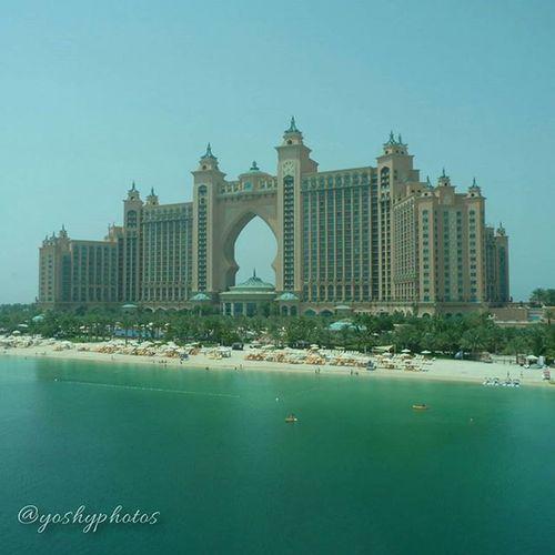 Como de dioses Moncoeurdansunevalise Micorazonenunamaleta AtlanticHotel Phographer Amateur Dubai Thepalmdubai Megastructure Incredible March2015 Luxury Lumix YoshyPhotos Imhere