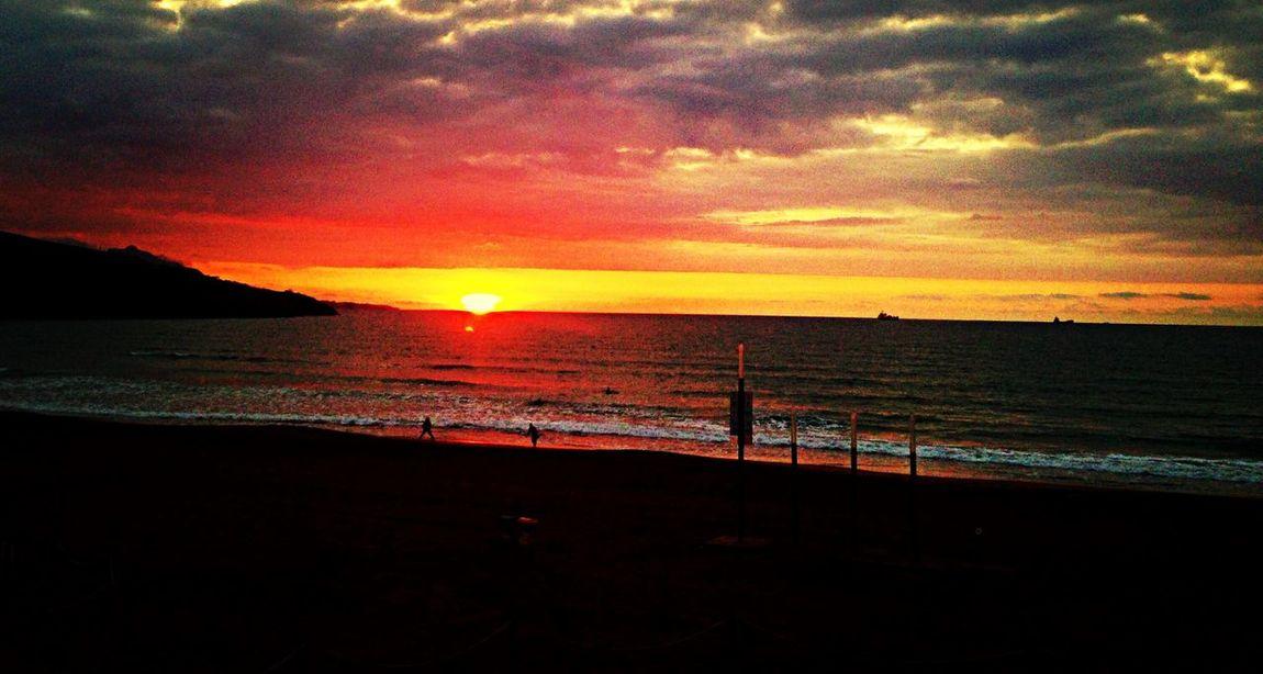 Sunset desde Muskiz Beautiful Sunset Life Is A Beach Beautiful Landscape Hello World