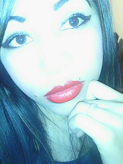 Relaxing Love Family Red Lips Out Beauty Of Decay Me - Living My Life Make Up Done By NAIL YOU UP  Straight Hair Make Up On XD