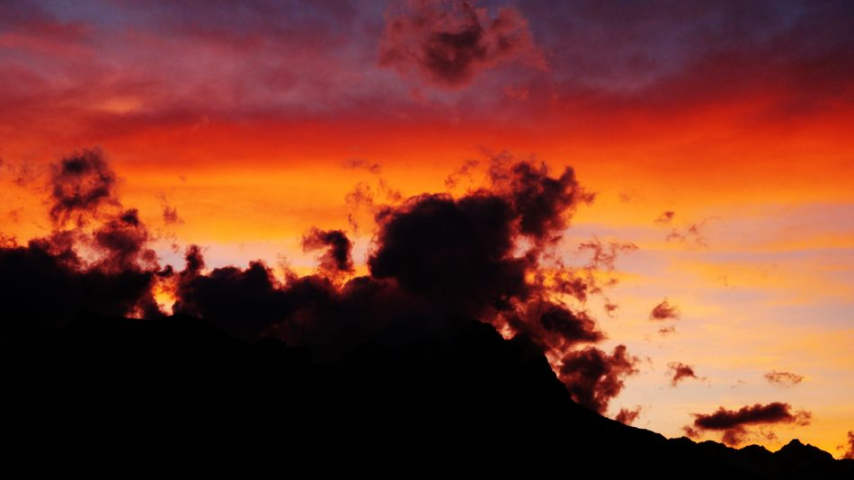 Sunset Sunset_collection Mountains Clouds And Sky Clouds Cloudscape Sunset #sun #clouds #skylovers #sky #nature #beautifulinnature #naturalbeauty Photography Landscape [a:7981053] French Alps Sky And Clouds Silhouette_collection Silhouette And Sky