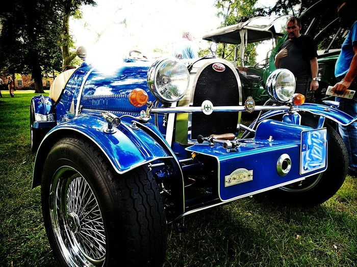 Men's Dream Bugatti Beautiful Cars CarShow in the Castle Gardens Single Sunrays Shining Blue Color And Chrome Reflections On The Car Paint Oldtimer Replicar Castle Garden in Langenselbold Germany🇩🇪 Mein Automoment Beliebte Fotos Showcase June Colour Of Life