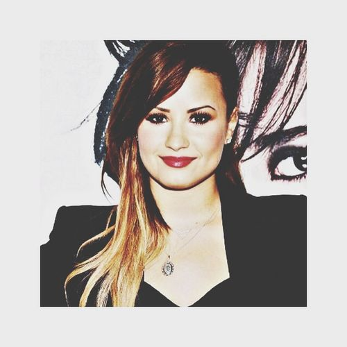 Love is air Demi Lovato Staystrong