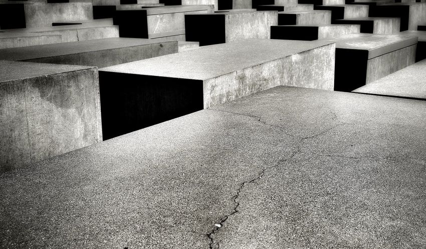 Beton Black And White Holocaust Memorial Kontrast Shadow Textured  Wall - Building Feature The Architect - 2016 EyeEm Awards The Street Photographer - 2016 EyeEm Awards Welcome To Black