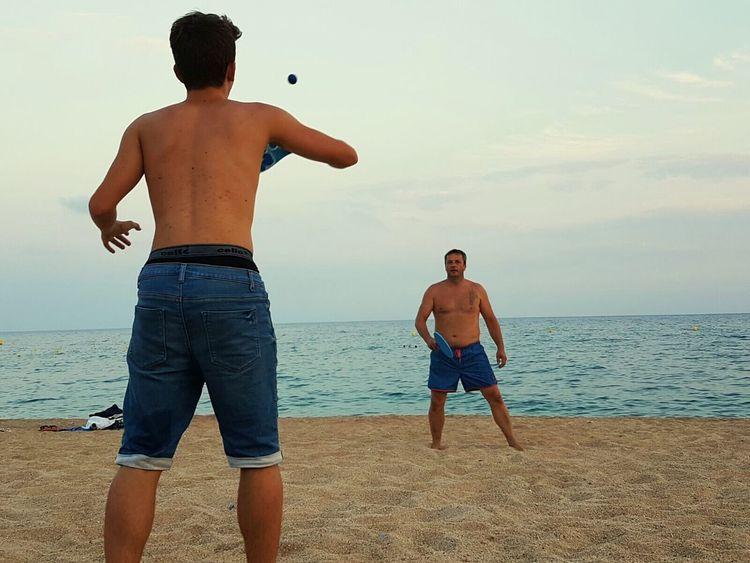 Racket Plage Enjoying Life Heureux Hello World Lloret De Mar Playa BeachPadre Pere
