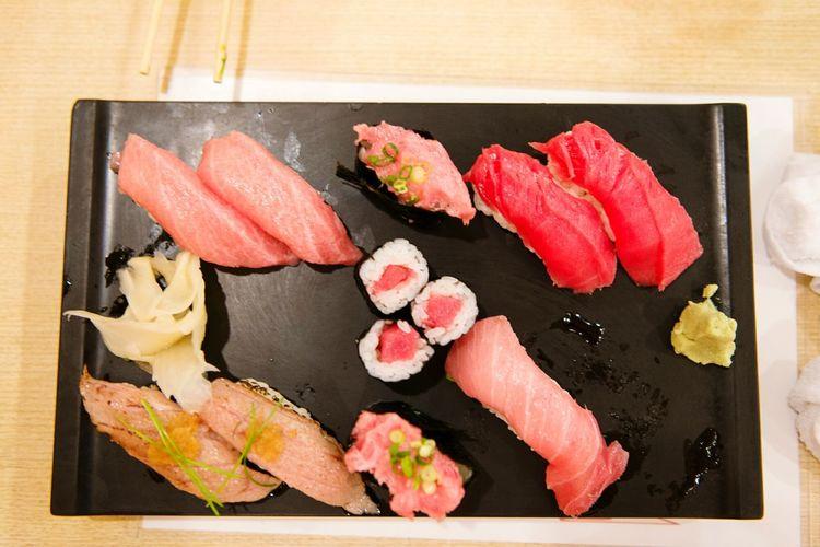 Sushi Tokyo Relaxing Hanging Out Eating Good