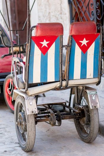 Vacations Socialism Revolution Travel Trip Havana Transportation Mode Of Transportation Day Land Vehicle City No People Architecture Street Flag Tricycle