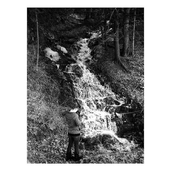 Unexpected roadside waterfall!!😍 . . . . . Darkside Monochrome Bnw Bnw_life Nature Landscape Portrait Prints River Sunnyday Lunch Newhampshire Newengland Society6 Mobilephotography Iphonography Waterfall Roadside Wanderlust Backpacking Woods WoodLand Roadtrip Countryside Unexpected winter light transformationtuesday adventure naturewalk