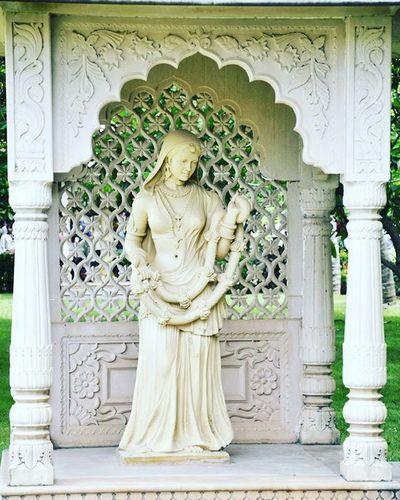 Sushamita MyClick Indianbeauty Indian Architecture Beautiful Photographs Photogralhylovers Photographyislifee Photography Art Statues Statue Beauty Bhartiyanaari Photo Photographer Whitebeauty