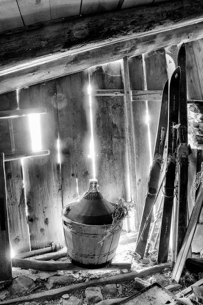 Unter Doch Nikon B/W Photography Südtirol Alto Adige Dachboden Ski Old Ski Wine Weinfass Sonnenstrahlen EyeEmNewHere