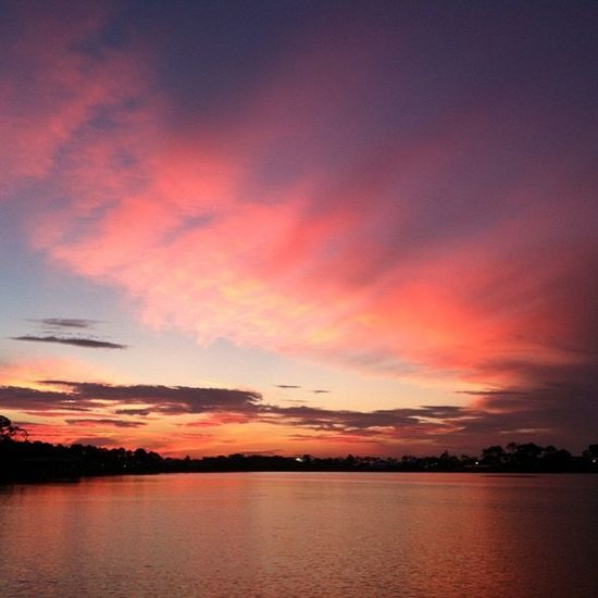 Sky Red Sky FireyGlow Sunrise And Clouds Taking Photos Scenic Beauty Glowing Tranquility Glorious Calming Tranquil Scene Relaxing Outdoors Majestic