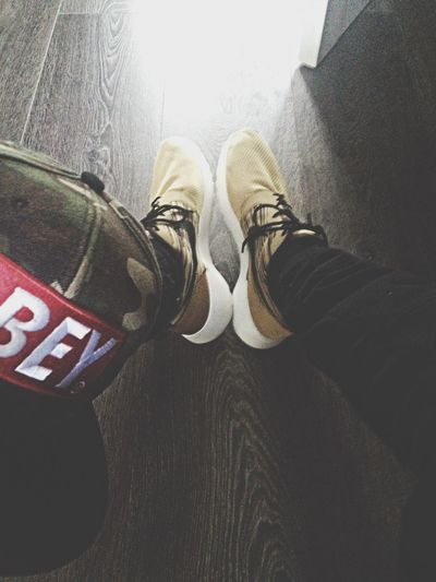 Obey 'camo' snapback and Brown/Gold Roshe runs