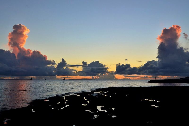Beauty In Nature Skylovers Happy Hour Taking Photos Eyeemphotography Eyeem Photography Photos Nikon Nikon D600 D600 Okinawa OKINAWA, JAPAN Beauty In Nature Sea Sun Sunrise The Week On EyeEm