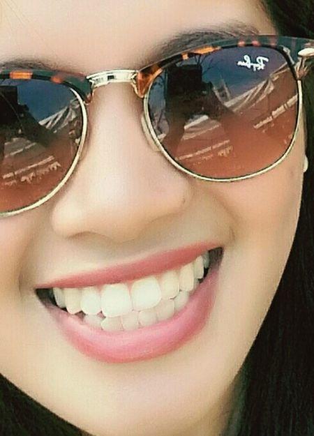 That's Me , Show Me That Smile ! 😀 Eyeemwoman Faces Of EyeEm Shades Smile FAB !🐝