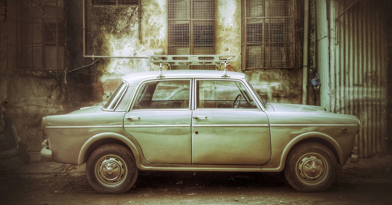 transportation, old-fashioned, retro styled, architecture, car, built structure, building exterior, outdoors, no people, day