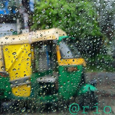 photography fever overloaded😁😁📷 clicked somewhere in indore! hehehehe 😂😂😂 Barish