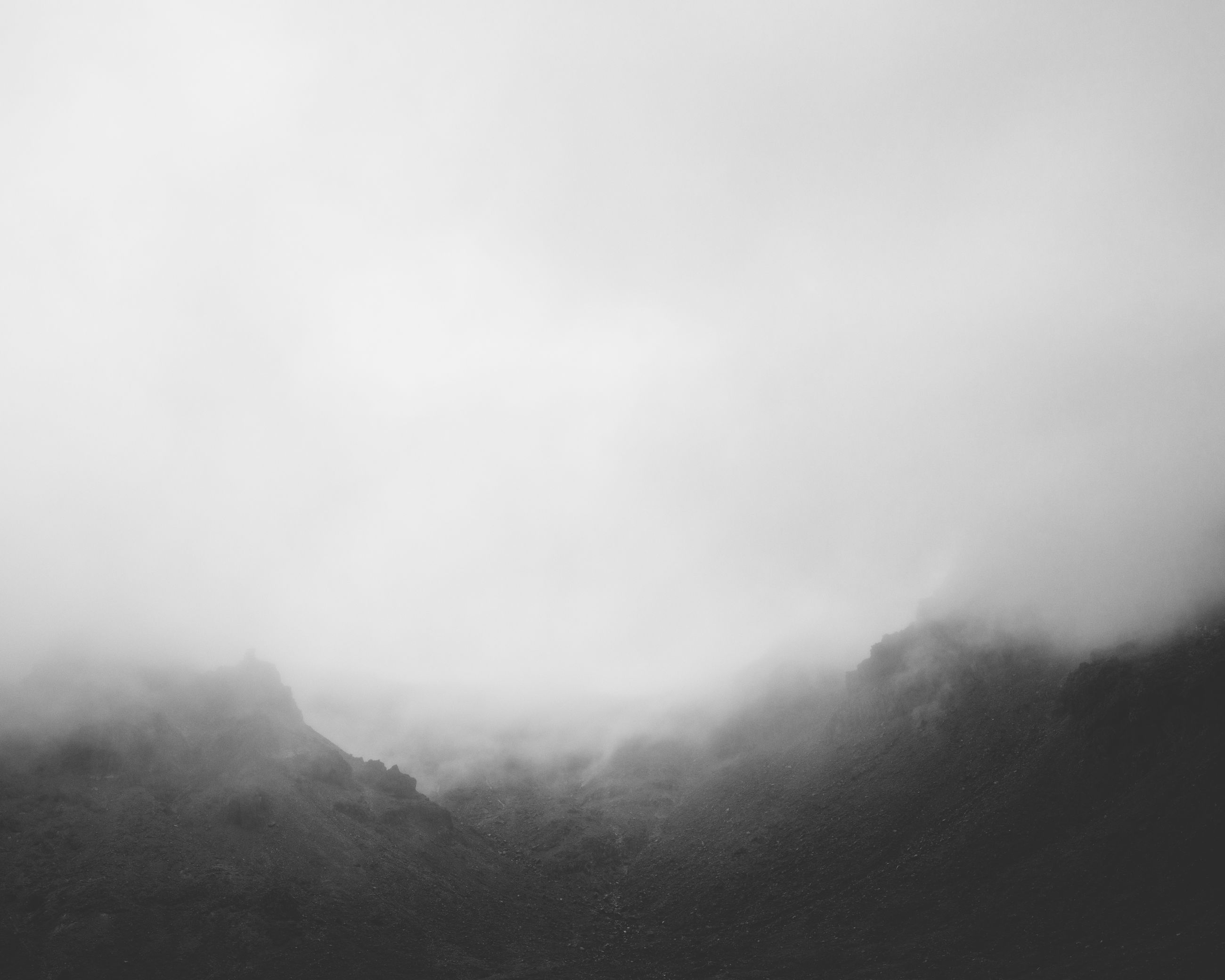 fog, foggy, tranquility, tranquil scene, scenics, weather, beauty in nature, nature, copy space, sky, mountain, idyllic, landscape, overcast, non-urban scene, mist, remote, outdoors, day, no people