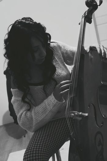 Viyolonsel Black And White Evimde Ulala :* Cello