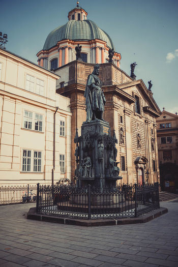 beautiful statue Pargue Architecture Art And Craft Building Exterior Built Structure City Day Dome Fountain History Human Representation Male Likeness No People Outdoors Sculpture Sky Statue Travel Destinations