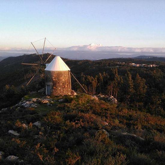 Windmill on the mountains! Igrecommend_calm Igrecommend Igersoftheday Picoftheday Pictureoftheday Instagood Instagram Instagramers Nofilter Igersportugal Onlysmartphonesportugal Portugal_em_fotos Portugaldenorteasul Portugal_lovers