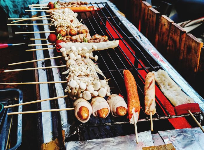Vietnamese style grilled, spicy, hot and sausage filled with sausages.