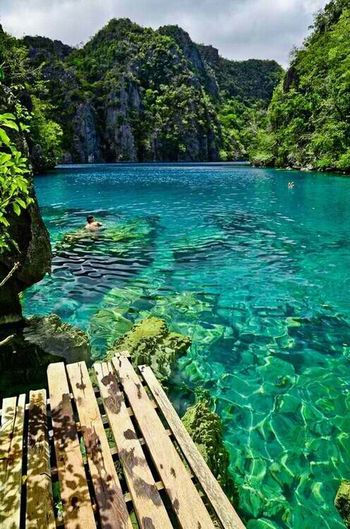 I would love to swimm here <3 Beautiful paradise!