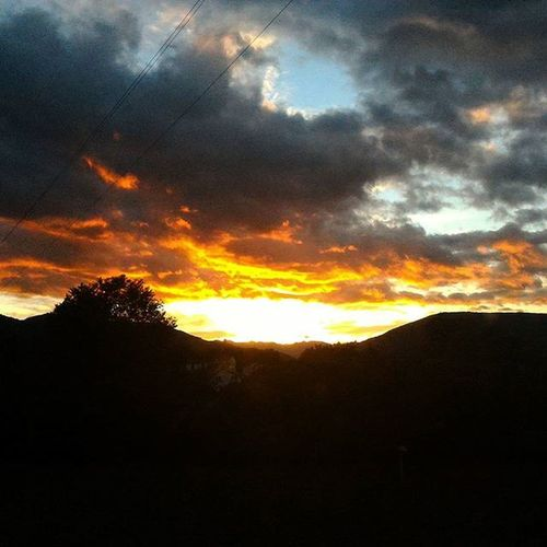 Color Sunset Quietedopolatempesta Sun Clouds Cloudscape Sanseverinomarche October Igmarche Igoftheday Photoftheday Photoofnature Picoftheday Picofthenight Weekend Happyhourshades Stopraining ©