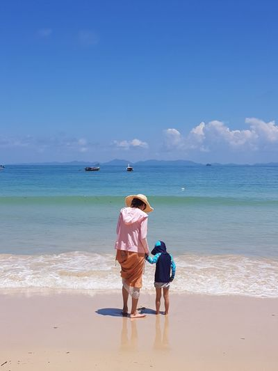 Railay Beach, Thailand Nofilter Thailand ASIA Beach Love Child Mom Beach Land Sea Water Sky Rear View Sand Real People Nature Women Outdoors Two People Trip Vacations Holiday Togetherness