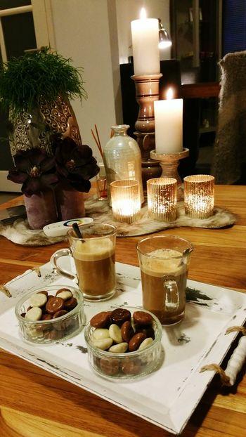 Omdat we toch al in de stemming zijn. 🎼 Sinterklaasje kom maar binnen... trallalla lalalalaaaa 🎵🎶 Pepernoten Koffie Dolcegusto Sinterklaas Welkombijdesint