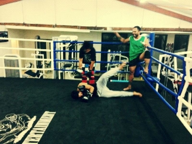 Muay Thai & Kick Boxing training - Sparring Session People