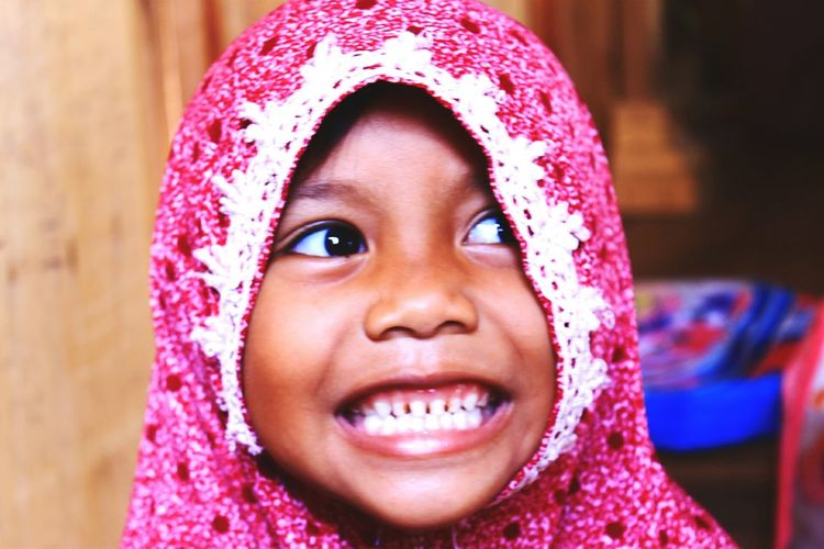 look at me, I look strong in front of the camera is not it? One Girl Only Child One Person Headshot Close-up People Happiness Cheerful Pink Color Cute Eyeemindonesia Love ♥ EyeEm Gallery EyeEm Selects Freshonmarket2017