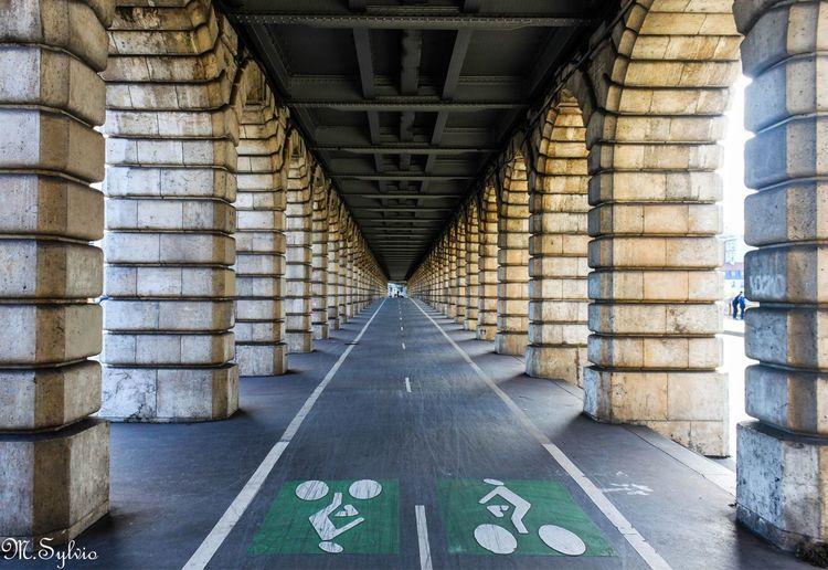 Sous ou sur le Pont de Bercy Paris Velo Architecture Built Structure The Way Forward No People Metal First Eyeem Photo EyeEmNewHere