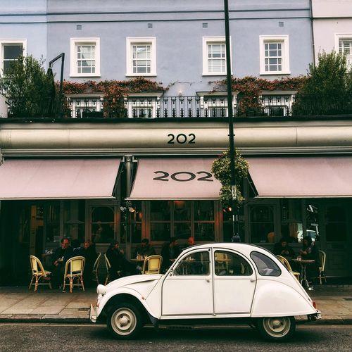 London Visitlondon Notting Hill Cars Vintage Cars Soloparking 2cv