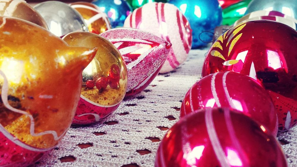 Vintage hunter gatherer am I?! Vintage Vintage Christmas Decorations Vintage Christmas Vintage Decor Interior Design Interior Decor Christmas Time Christmas Decorations Picturing Individuality Perfect Match Learn & Shoot: Simplicity Vintage Baubles Christmas Baubles Colourful Composition 1950s Studio Shot Product Photography The Week Of Eyeem Reflection Geometric Shapes Vintage Style Pink Baubles Showcase: November