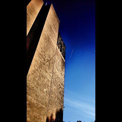 Rostov Rostovondon Library High building sky clouds trees shadows brick РостовНаДону Ростов высокое здание библиотека публичка небо облака деревья тени кирпич mixapp