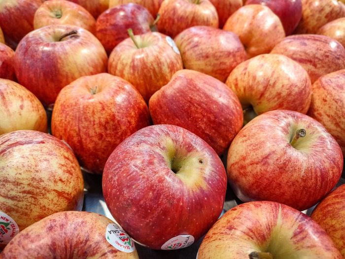 Apples Apples Apple Supermarket Fruit Backgrounds Market Red Healthy Lifestyle Full Frame Retail  Peach For Sale Farmer Market