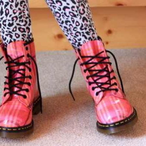 who owns/wants a pair of dr. martens? Leggings Cheetahleggings Drmartens Pink black white pinkdrmartens hipster hipster2013 summer summer2013
