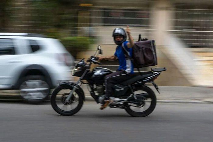 Yo, man! Urban Trafic Ride Or Die Born To Be Wild Motorcycle Biker Blurred Motion Headwear Riding Transportation Mode Of Transport One Person