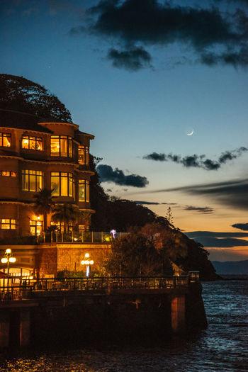 江の島 Enoshima Enoshima Island Moon Shots Night Architecture Sunset Sky Built Structure Water Building Exterior No People Outdoors City Politics And Government Astronomy EyeEmNewHere Be. Ready.