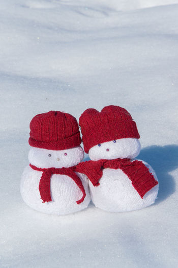 Snow Cold Temperature Winter White Color Red Nature No People Close-up Snowman Decoration Couple Love Together Happiness Leisure Activity Friendship Weather Copy Space Outdoors Two