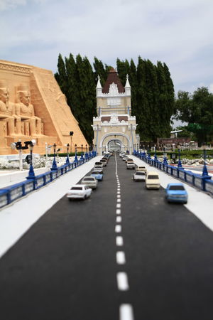 Famous Places Forced Perspectives Funny Life In Miniature Minature Not What It Seems Not What It Seems To Be! Optical Illusions Tourist Attraction  Tourist Spot