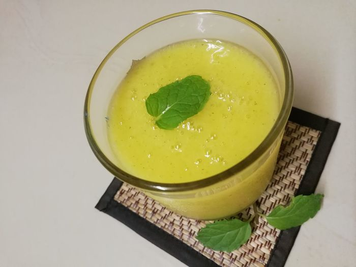 Mango Fruit Juice Yellow Soup Vegetable Soup Close-up Food And Drink Green Color Mint Leaf - Culinary Sorbet Passion Fruit Tropical Fruit Starfruit