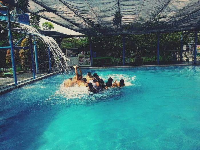 Happy together Swim Withfriends Fun Times Follow4follow Like4like Vscocam Zenfone5