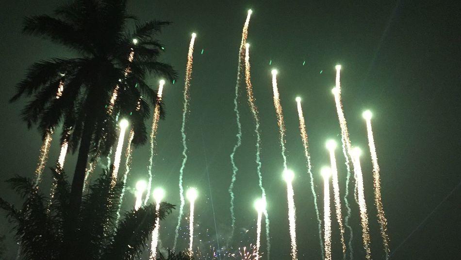 Firework on de syukron 5